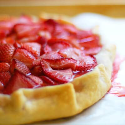 A close up of a strawberry crostata.