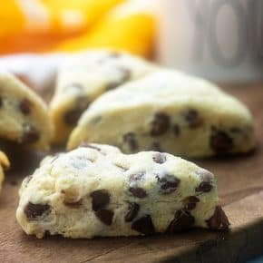 Easy to cook chocolate chip scones!