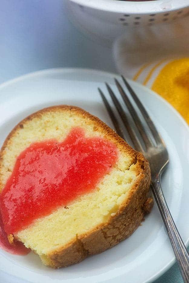 pound cake recipe with strawberry sauce