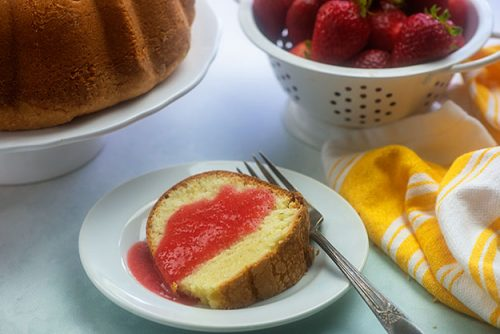 pound cake serving with ingredients