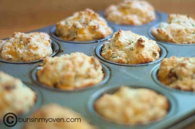 Bacon, Cheddar, and Chive Muffins — Buns In My Oven