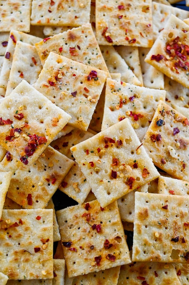 pile of seasoned saltine crackers.