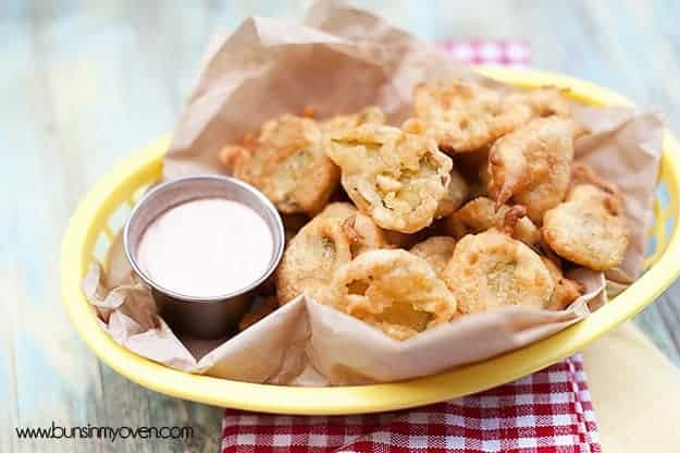 Fried Pickles recipe with Spicy Ranch dip #recipe from bunsinmyoven.com
