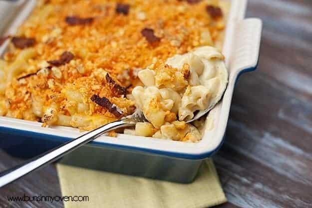 Jalapeno Bacon Macaroni and Cheese #recipe by bunsinmyoven.com
