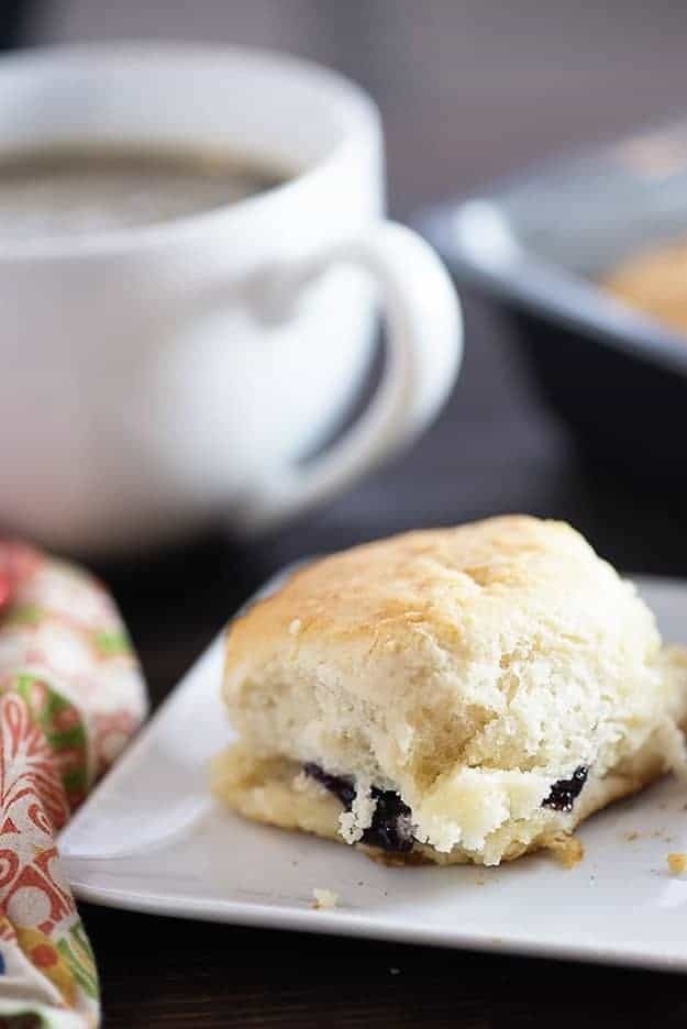 These 7 up biscuits taste just like the KFC biscuit recipe. Buttery, fluffy biscuit perfection!