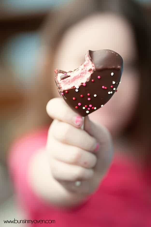Chocolate Covered Peeps Hearts   What a fun and easy Valentine's Day treat!