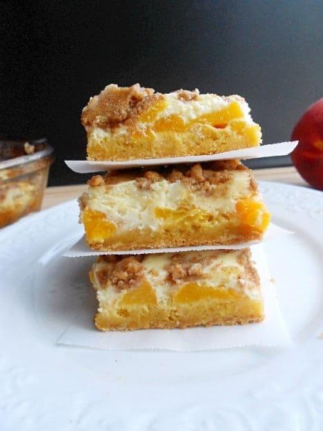 peaches-and-cheesecake-bars