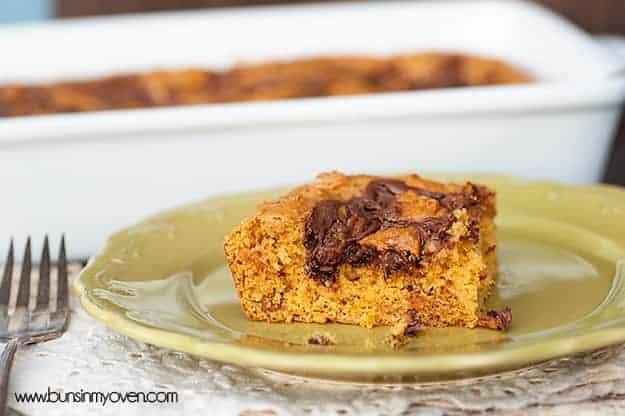 Nutella Swirled Pumpkin Bars #recipe from bunsinmyoven.com