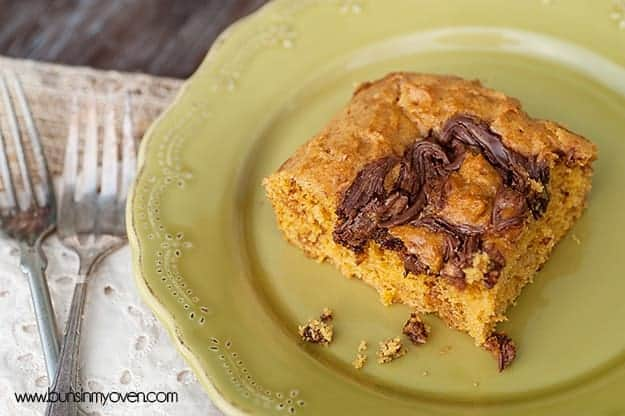 Nutella Swirled Pumpkin Bars #recipe from bunsinmyoven.com