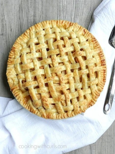 Lattice-Top-Apple-Pie-cookingwithcurls.com-piday1