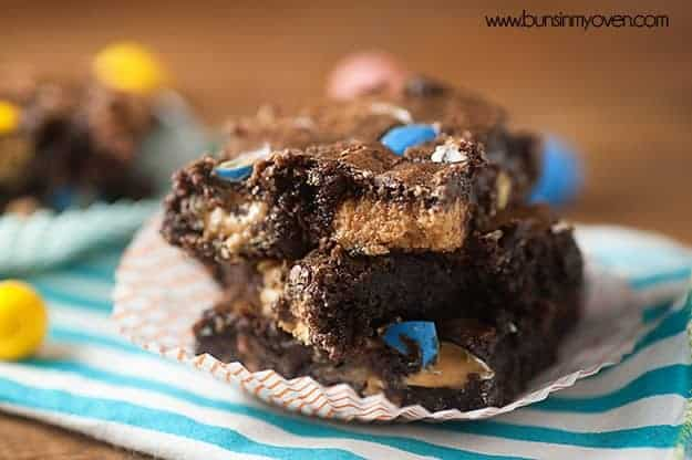 These brownies are LOADED with Reese's Pieces AND Reese's Eggs for a peanut butter treat that's perfect for Spring!