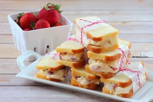 1 ps Strawberry Shortcake Ice Cream Sandwiches (15)