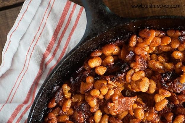mango baked aA tasty twist on traditional baked beans, perfect for summer barbecues! #mango #barbecue #summer #recipebeans recipe 3 web
