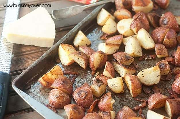 easy roasted potatoes with bacon, garlic, and parmesan #recipe