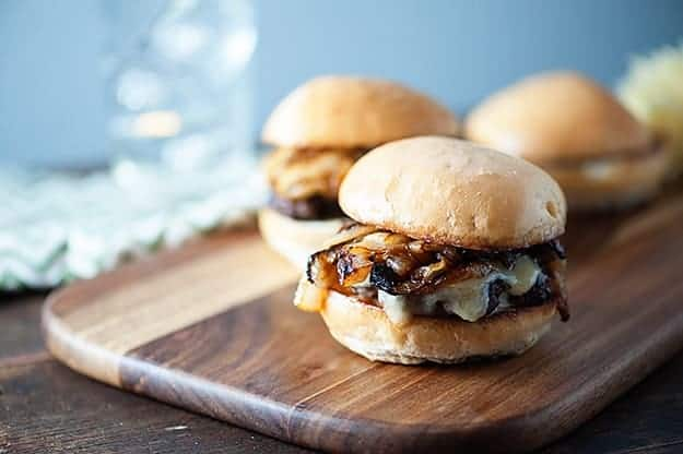 French Onion Soup Burgers - all the goodness of French Onion Soup in a cheesburger!