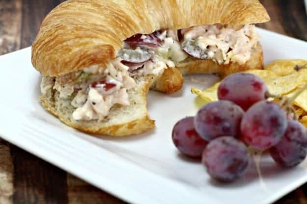 chicken-salad-recipe-with-grapes-fi.jpg.pagespeed.ce.NJVV0hzbGc
