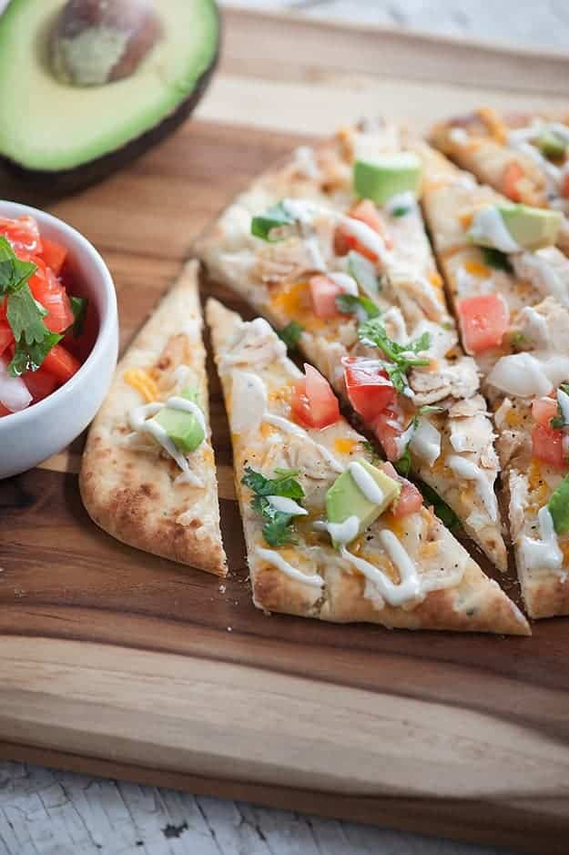 ... Mexican Chicken Flatbread... healthy, quick, and loaded with chicken