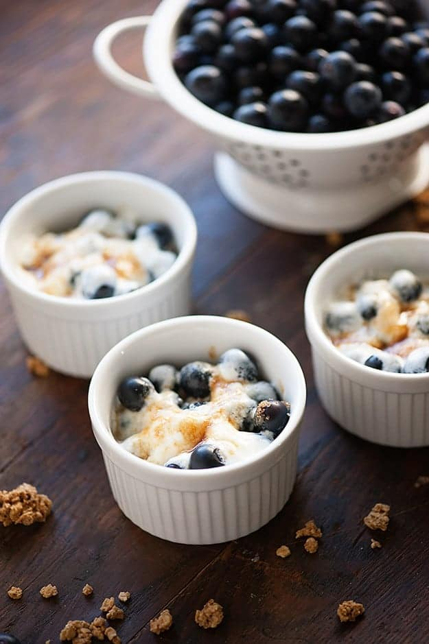 Blueberry Granola Gratin - a healthy dessert or snack that is ready in ...