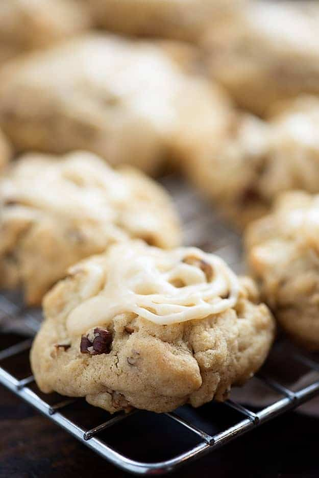 Browned Butter Pecan Cookies - the glaze on these cookies is amazing!