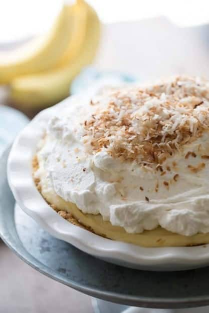 Coconut-and-Banana-Cream-Pie_-2