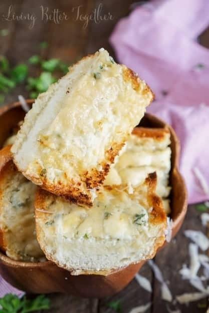 blue-cheese-garlic-bread-recipe-7-of-8