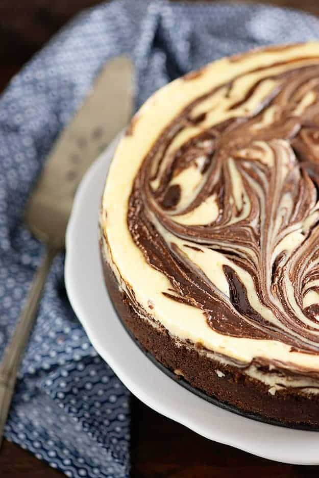 chocolate swirl cheesecake � buns in my oven