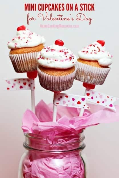 Mini-Cupcakes-on-a-Stick-for-Valentines-Day