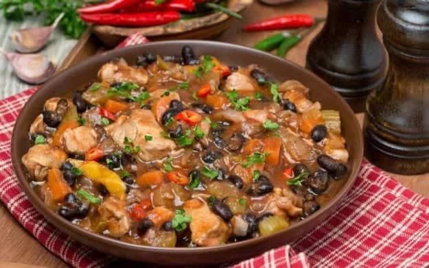 Chicken-and-Black-Bean-Chili