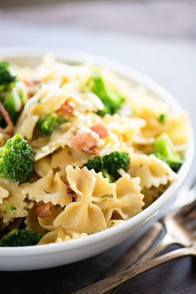 Our family's all-time favorite pasta that EVERYONE eats without complaint! Loaded with bacon, broccoli, and cheese and ready in just 20 minutes!