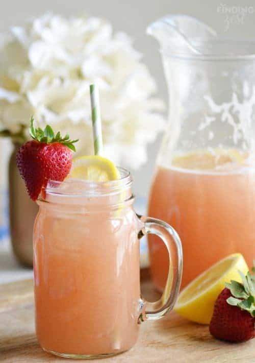 Homemade-Strawberry-Rhubarb-Lemonade-Recipe