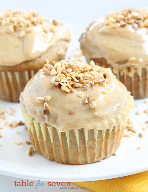 Banana Cupcakes with Peanut Butter Frosting2