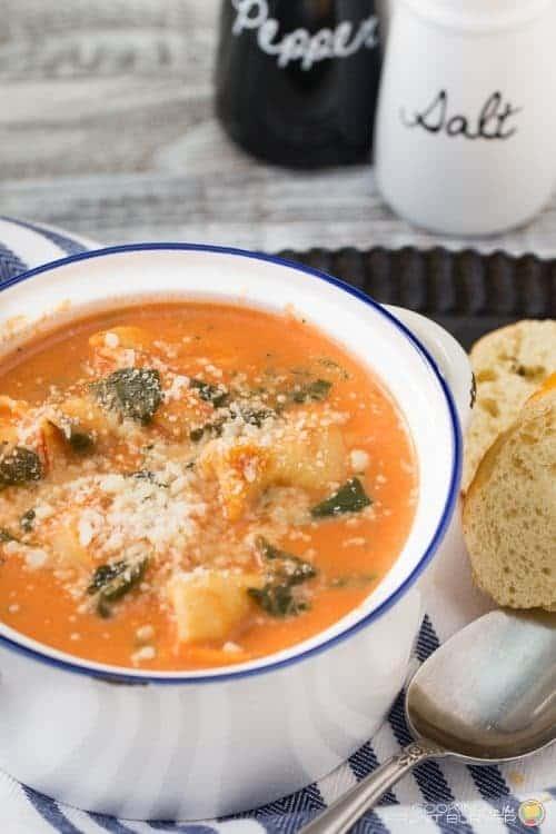 quick-creamy-tomato-tortellini-spinach-soup