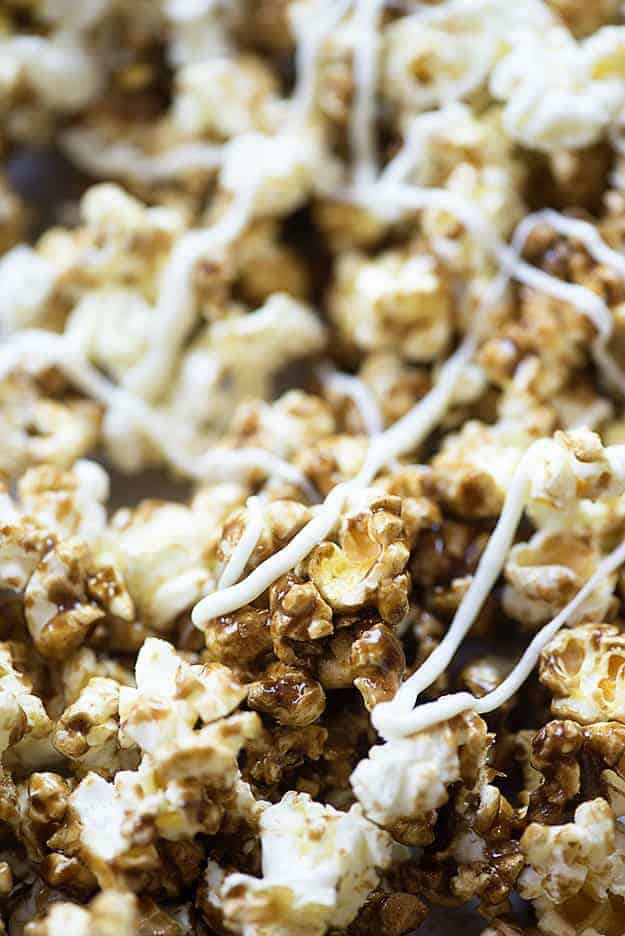 This pumpkin spice caramel corn is made easy in the microwave! It's ...