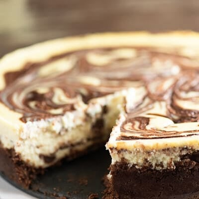 Chocolate swirled cheesecake recipe! This is a simple cheesecake recipe that bakes up beautifully!