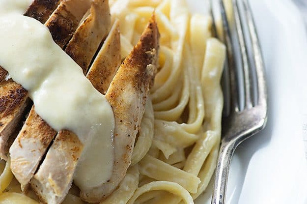 This Cajun chicken alfredo is such a simple dinner!