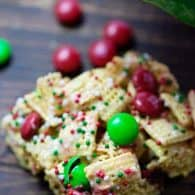 These are a fun twist on the traditional rice krispies treat, all done up for Christmas!