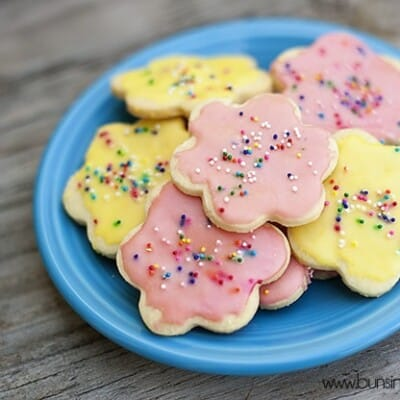 Iced butter cookies and with sprinkles on top