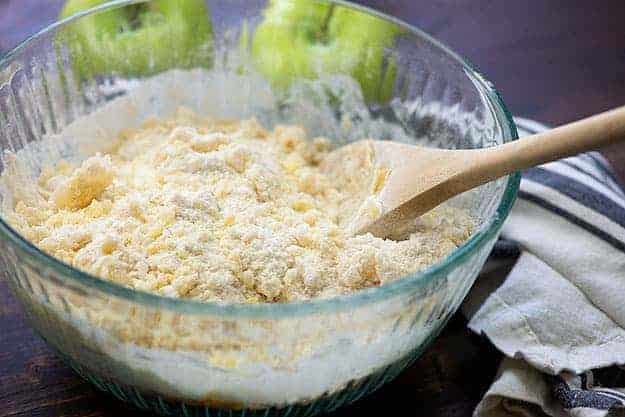 apple cobbler topping in glass bowl