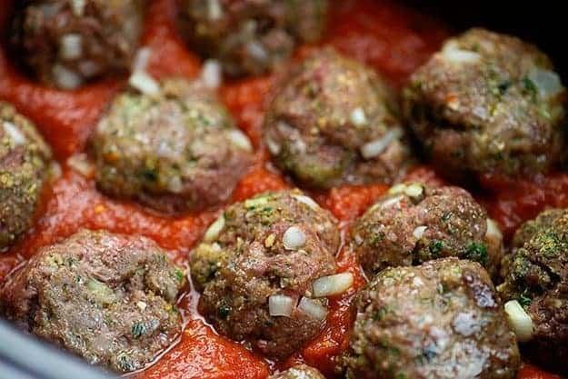 crockpot meatballs in tomato sauce