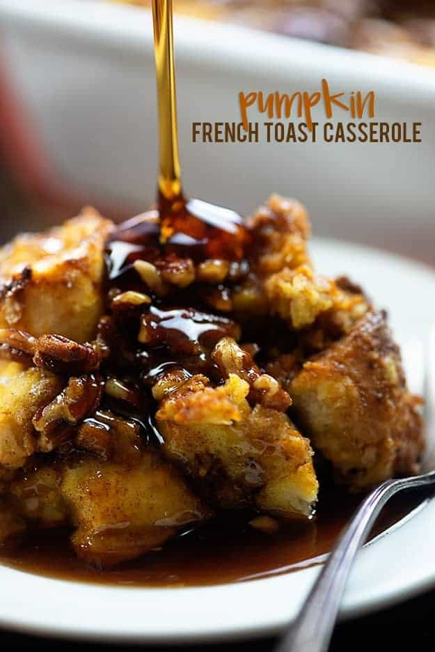 French toast casserole with pumpkin and praline topping! Such an easy make ahead breakfast casserole and always a hit! #pumpkin #breakfast