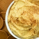 Pumpkin Cheesecake Dip! Tastes like a pumpkin pie and it's so beyond easy!! #pumpkin #easy #dip #fall