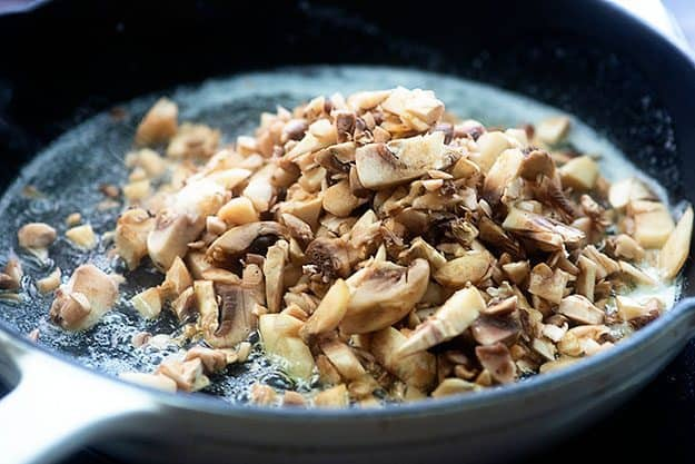 how to sautee mushrooms in skillet
