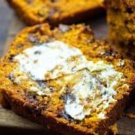 pumpkin chocolate chip bread slices