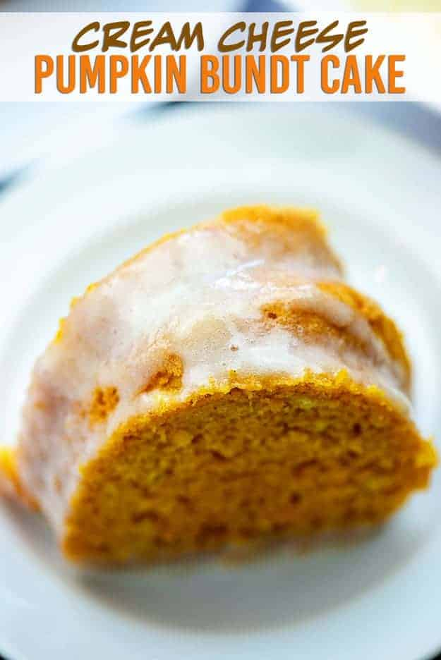 Pumpkin Bundt Cake with Cream Cheese Glaze! This is the perfect bundt cake for fall! #recipe #cake #pumpkin #fall