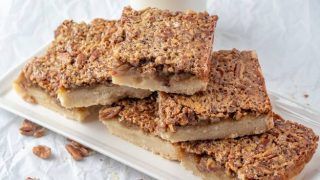 Delicious Pecan Pie Bars with a Shortbread Crust