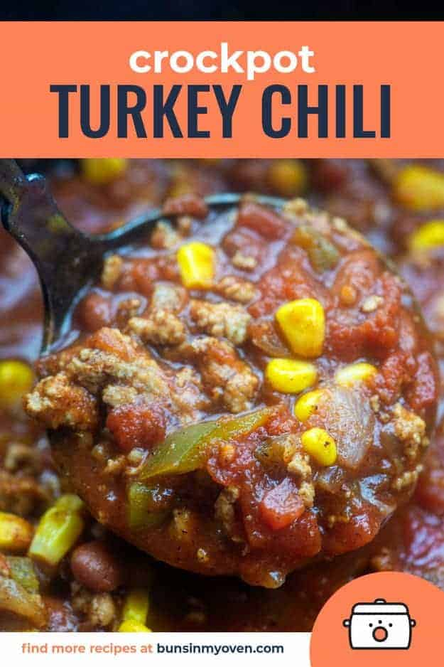 Crockpot Turkey Chili - packed with lean turkey, loads of veggies, and bursting with flavor! #crockpot #slowcooker #chili