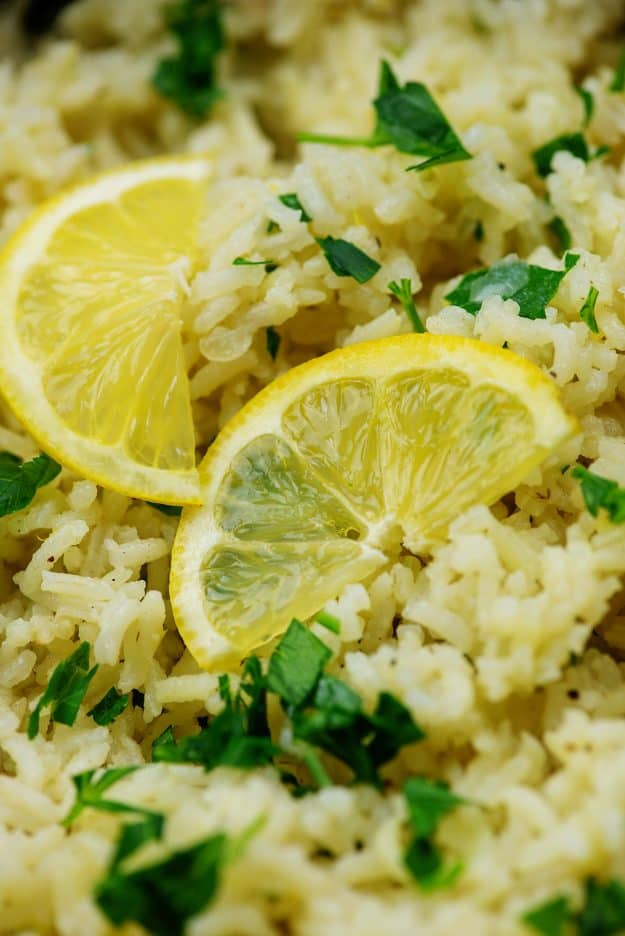 greek rice pilaf with lemon slices