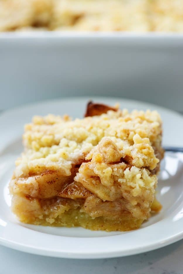 apple crumble bar on white plate