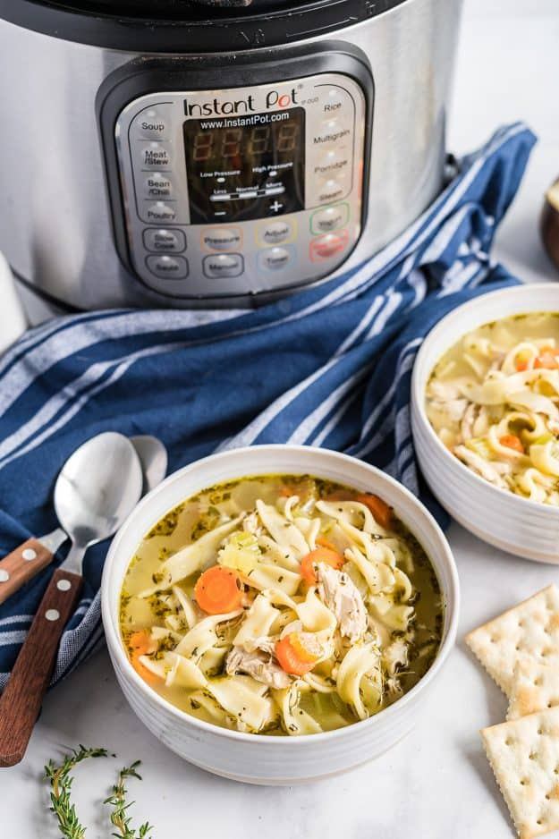 instant pot chicken soup in bowls.