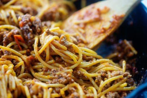 spaghetti in skillet.